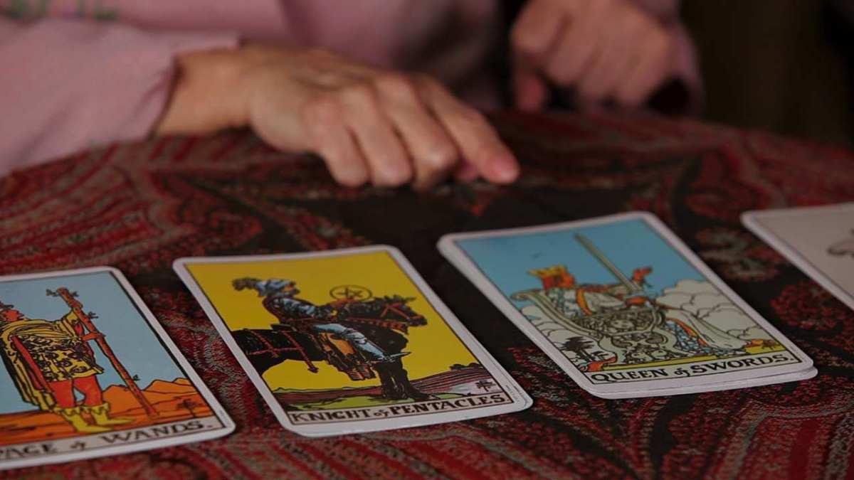 Shuffle Tarot Cards
