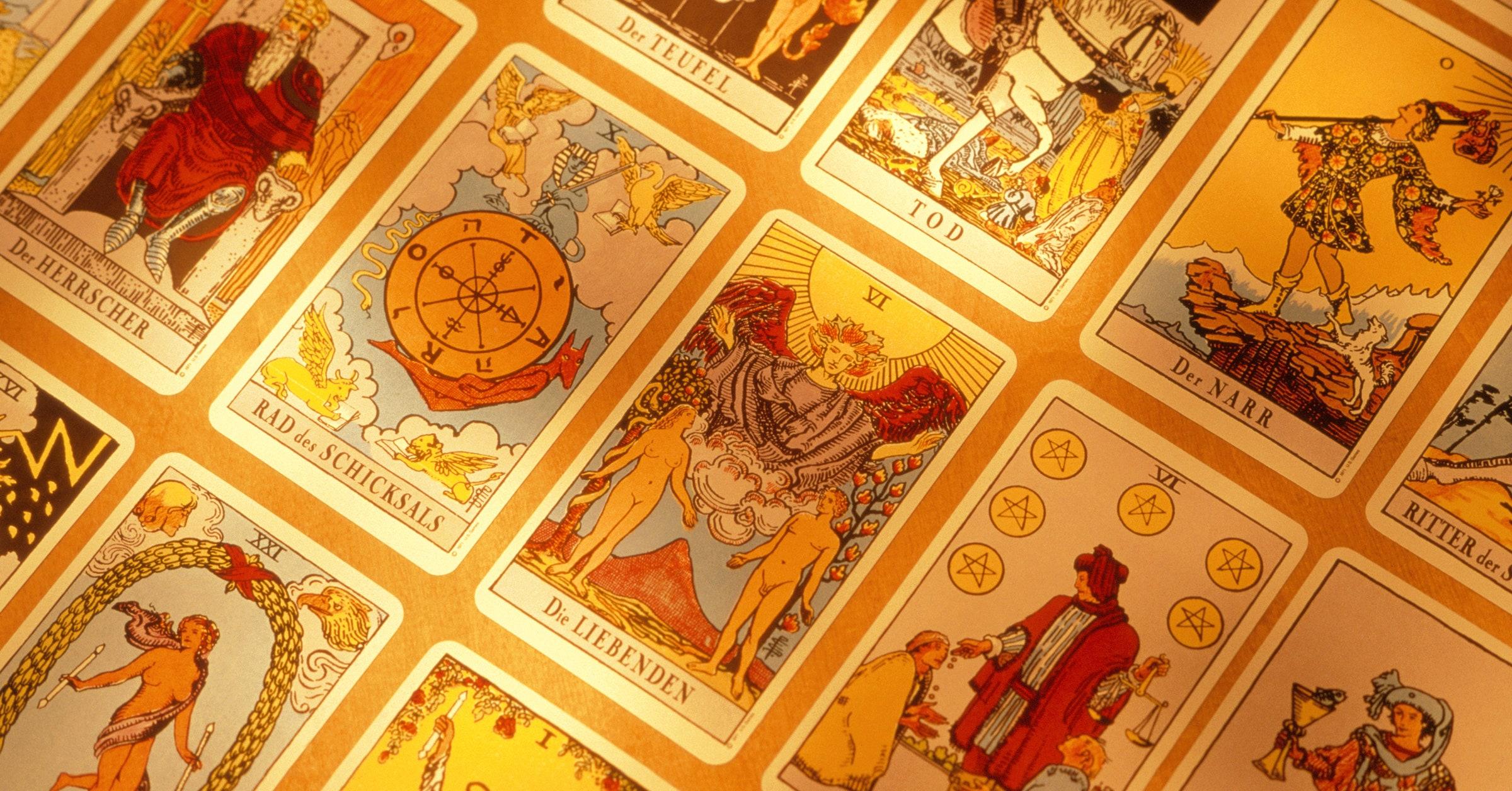 Learn How Tarot Readings Work